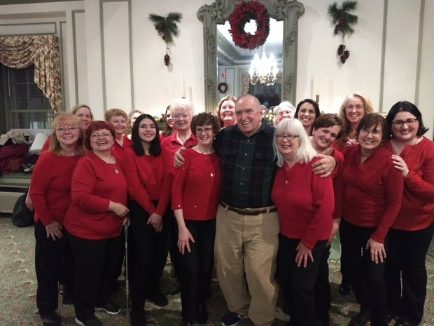 Bringing Holiday Cheer to Pleasant View Retirement